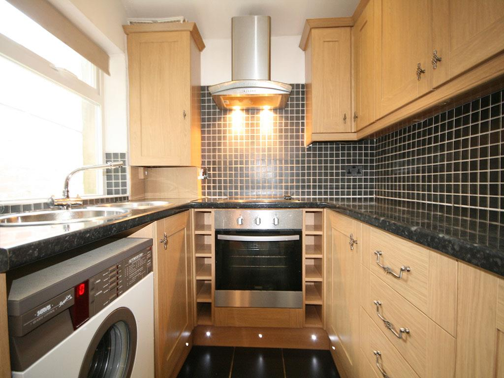 3 bedroom mid terrace house To Let in Barnoldswick - IMG_0934.jpg